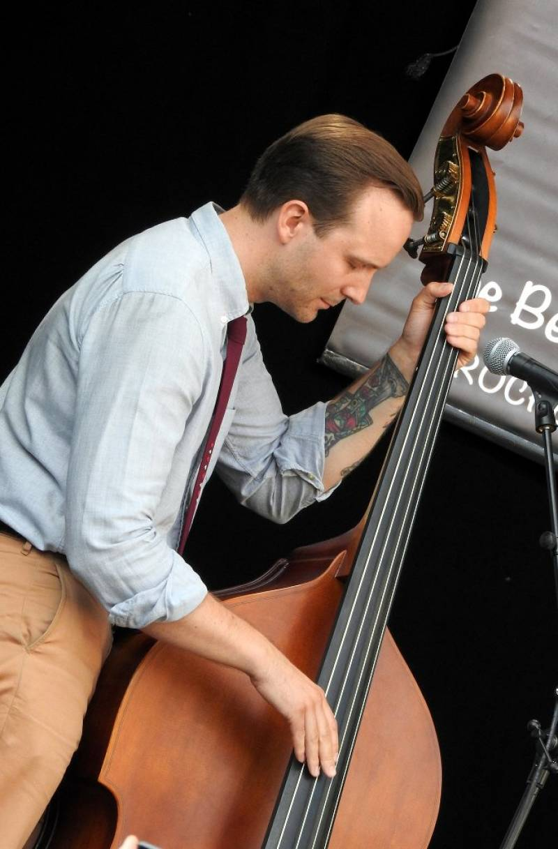 Le flegmatique Matti Friberg, upright Bass, Le Chat Mort